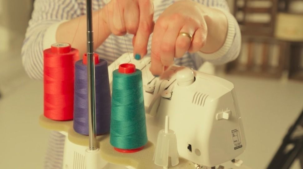 Basic Course - Master Your Serger: Easy steps to serger success! - Makerist Course - Image 1