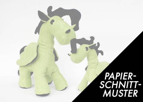 Gedrucktes Schnittmuster für: Pegasus (Pony) in zwei Größen im Makerist Materialshop
