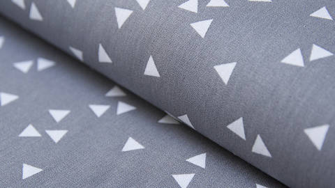 Baumwollstoff Dreieck grau-weiß: Triangle - 150 cm im Makerist Materialshop