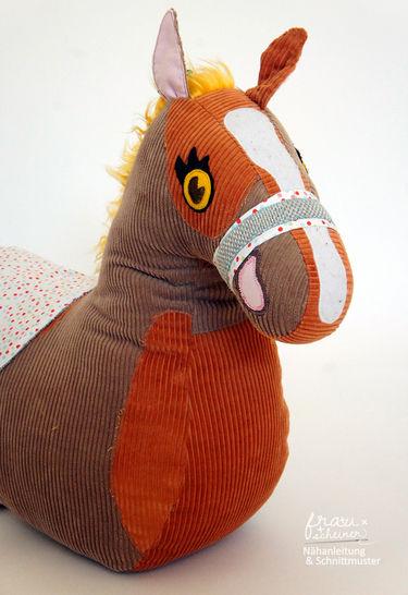 Gedrucktes Schnittmuster für:  Reittier Pferd  im Makerist Materialshop - Bild 1