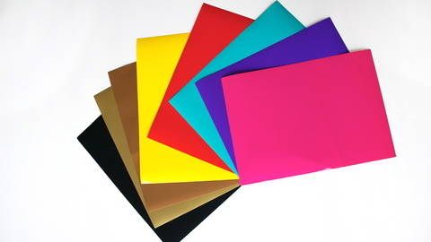 Glänzende Vinylfolie zum Plotten - DIN A4 im Makerist Materialshop