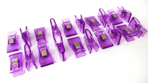 Pinces tissu taille moyenne Wonderclips - 20 unités dans la mercerie Makerist