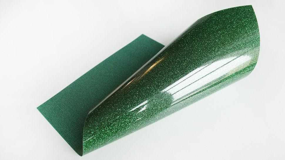 Glitzernde Flexfolie zum Plotten - kelly grün im Makerist Materialshop - Bild 1