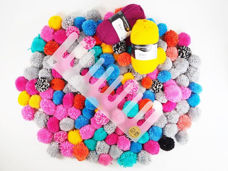 Pick and Pom: Das Pom Pom Werkzeug von Cherry Picking im Makerist Materialshop - Bild 1