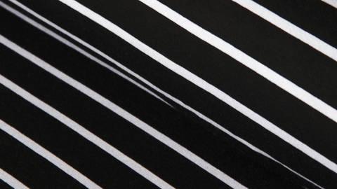 Schwarze Blockstreifen Viskosejersey: St. Tropez - 158 cm  im Makerist Materialshop