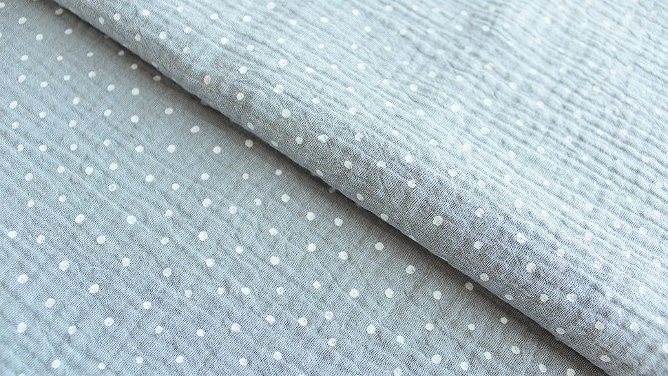 Musselin Baumwollstoff grau-weiß: Little Dots - 132 cm im Makerist Materialshop - Bild 1