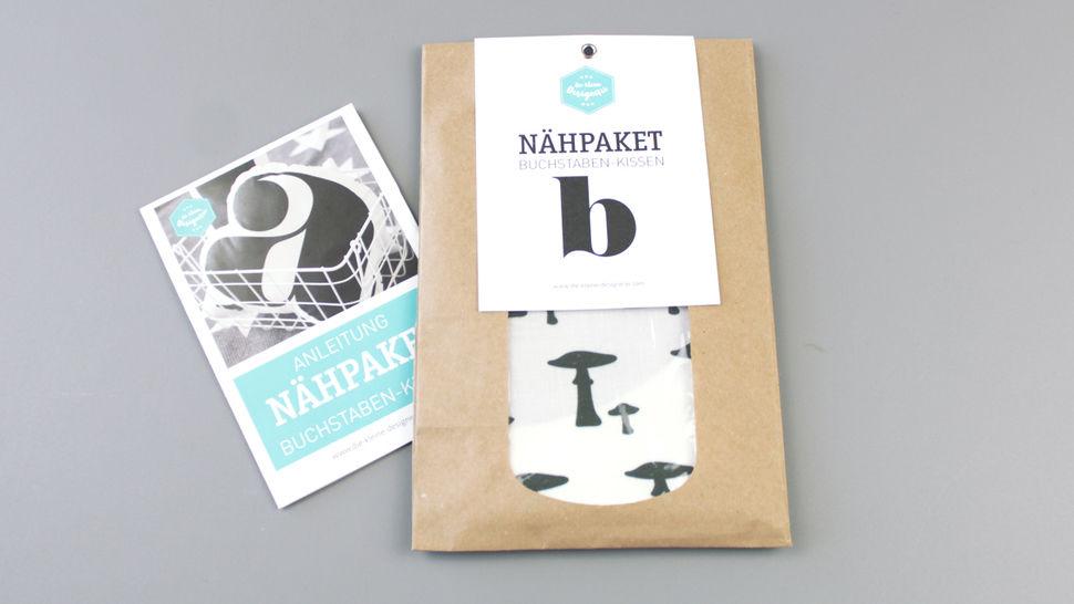 Dekokissen: Buchstabe mit Pilze-Muster - b im Makerist Materialshop - Bild 1