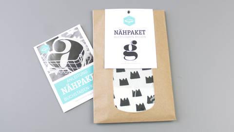 Dekokissen: Buchstabe mit Kronen-Muster - g im Makerist Materialshop