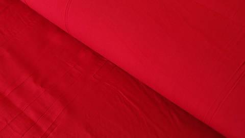 Roter Uni Radiance Viskose - 142 cm im Makerist Materialshop