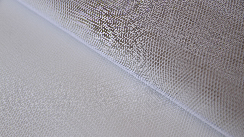 Weißes Tüllgewebe - 140 cm im Makerist Materialshop - Bild 1