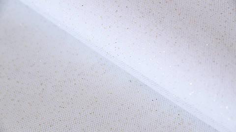 Weißes Tüllgewebe: Glitzer - 160 cm im Makerist Materialshop