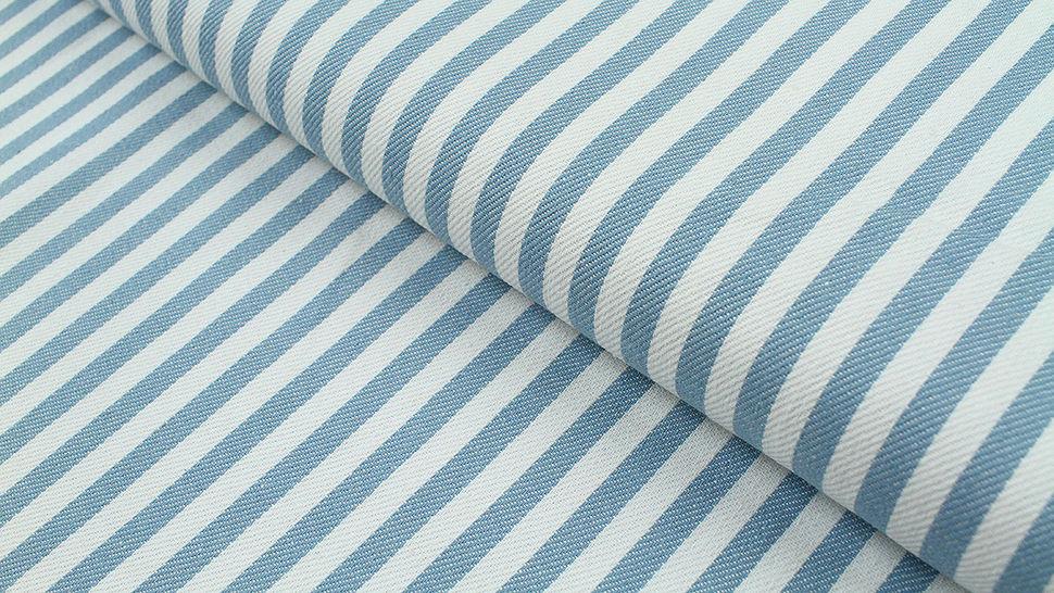 Baumwoll-Jeansstoff hellblau-weiß: Streifen - 150 cm im Makerist Materialshop - Bild 1