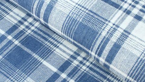 Baumwollstoff hellblau-weiß: Denim Karomuster - 145 cm im Makerist Materialshop