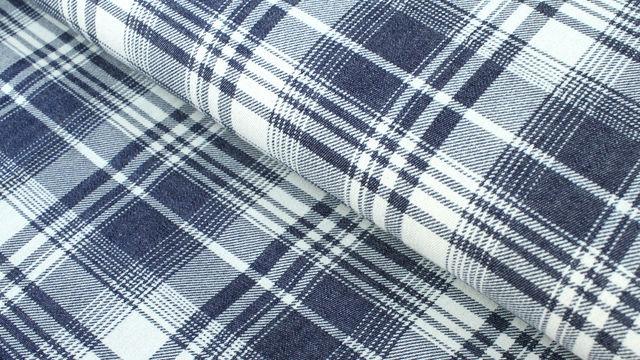 Baumwollstoff dunkelblau-weiß: Denim Karomuster - 145 cm im Makerist Materialshop - Bild 1