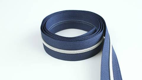 Endlosreißverschluss: silber-marineblau - 4 mm im Makerist Materialshop