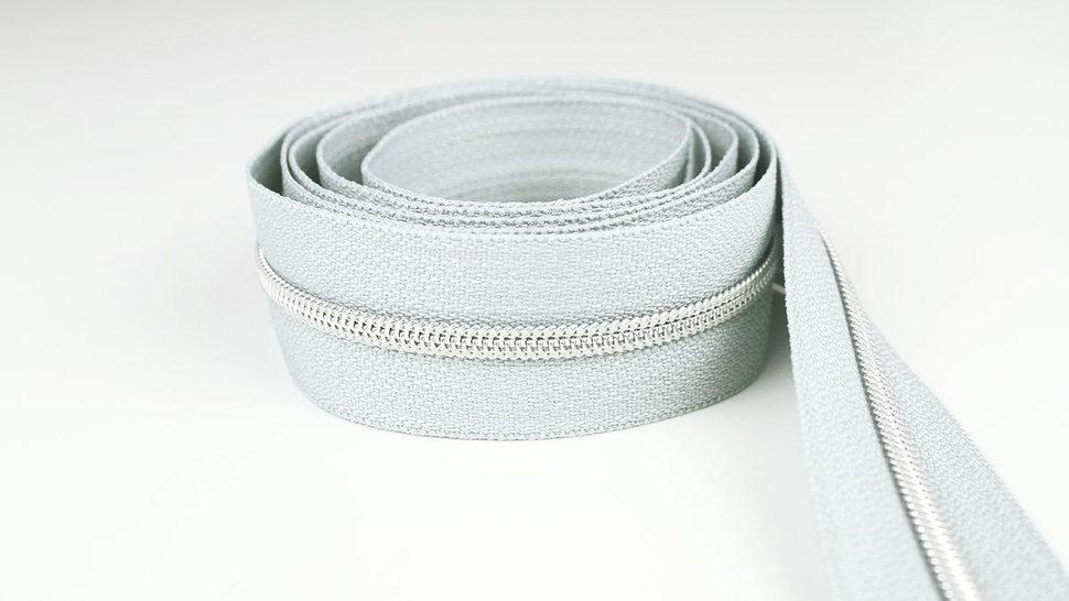 Endlosreißverschluss: silber-grau - 4 mm  im Makerist Materialshop - Bild 1