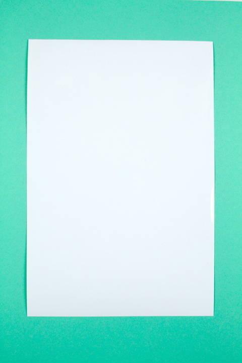Adhäsionsfolie weiß opak - 20 cm x 30 cm im Makerist Materialshop