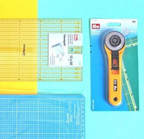Set: Schneidematte + Rollschneider + Lineal  im Makerist Materialshop