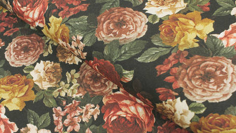 Viskosestoff schwarz: Rosen - 140 cm im Makerist Materialshop