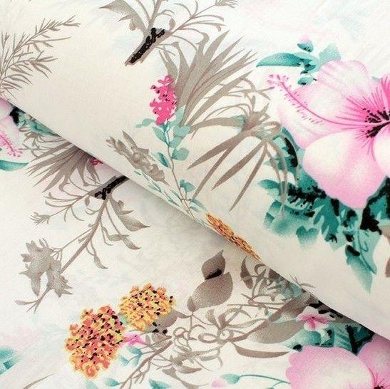 Viskosestoff weiß: Hibiskus - 150 cm im Makerist Materialshop - Bild 1