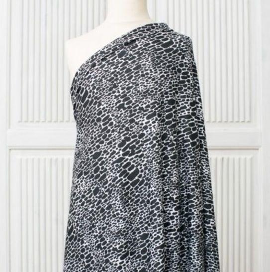 Lillestoff Modalsweat schwarz-weiß: Jana - 150 cm im Makerist Materialshop - Bild 1