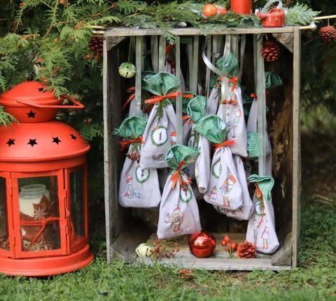 Lillestoff Rapport Slubjersey: Adventskalender grün - 140 cm  im Makerist Materialshop