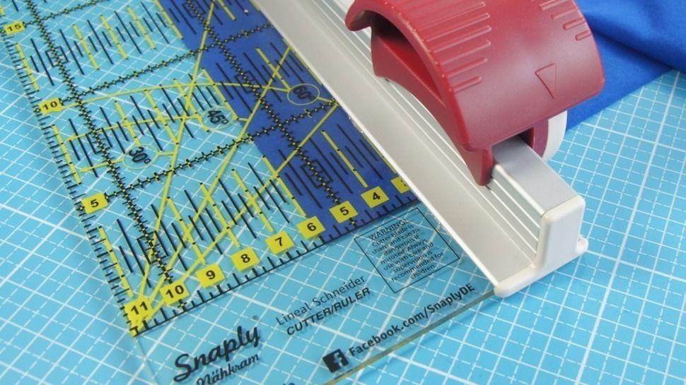 Règle coupante de Snaply - 70 cm x 11,5 cm dans la mercerie Makerist - Image 1