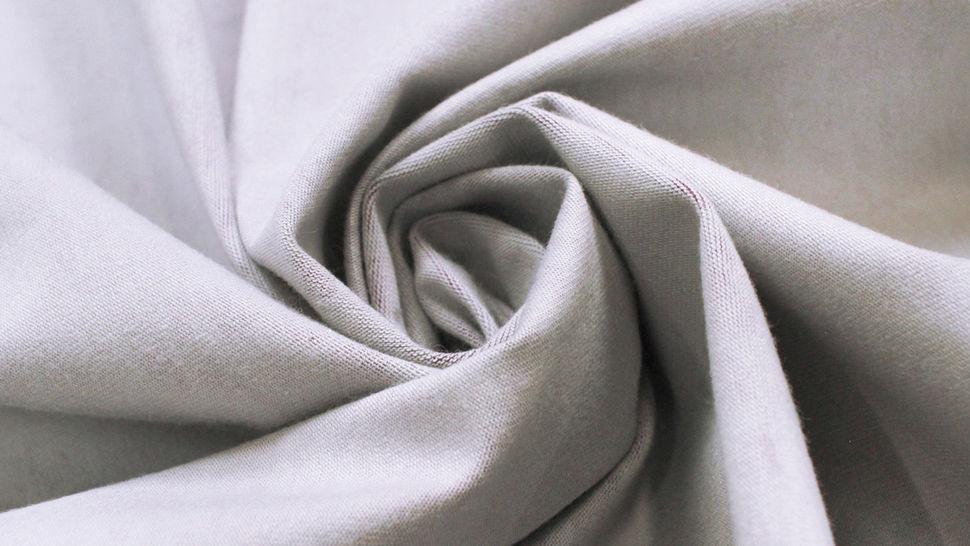 Beschichteter Jersey lila-grau: Blumen - 150 cm im Makerist Materialshop - Bild 6