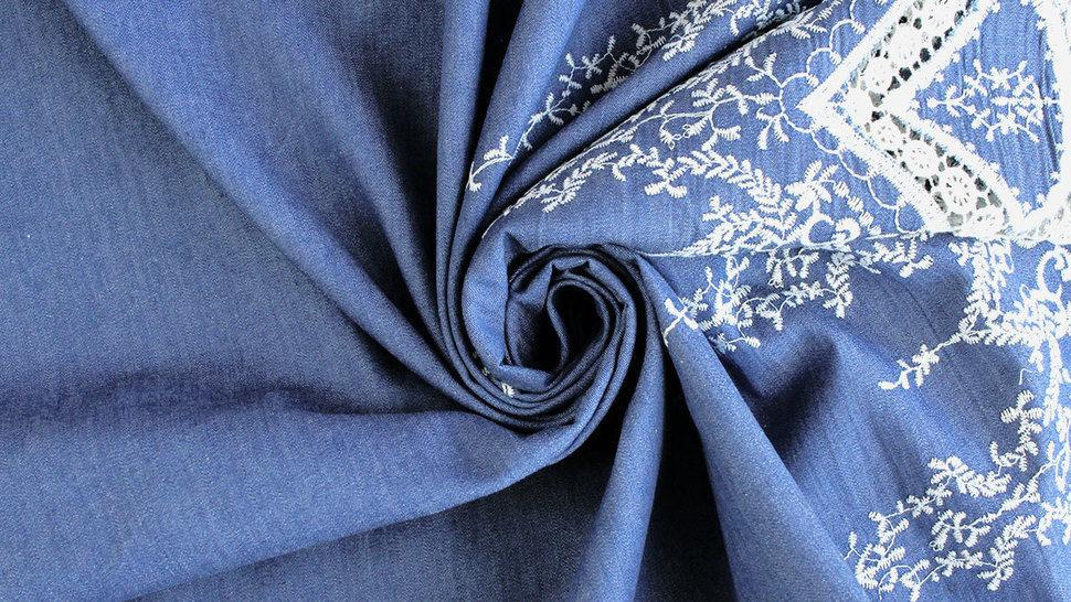 Jeansstoff hellblau: Stickerei - 145 cm im Makerist Materialshop - Bild 4