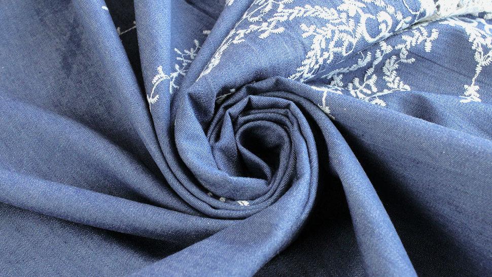 Jeansstoff hellblau: Stickerei - 145 cm im Makerist Materialshop - Bild 5