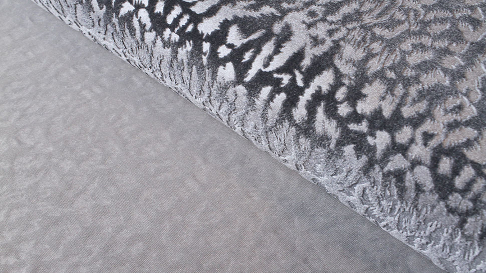 Samtstoff Stretch Animal Print: Leomuster - 165 cm im Makerist Materialshop - Bild 2