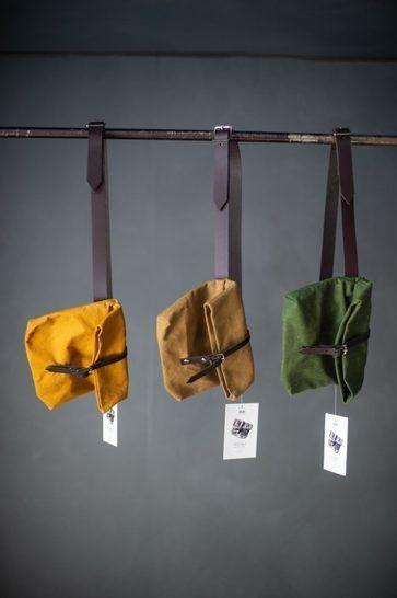 Gewachste Baumwolle matt dunkelgrün: Dry Oilskin - 150 cm im Makerist Materialshop - Bild 3