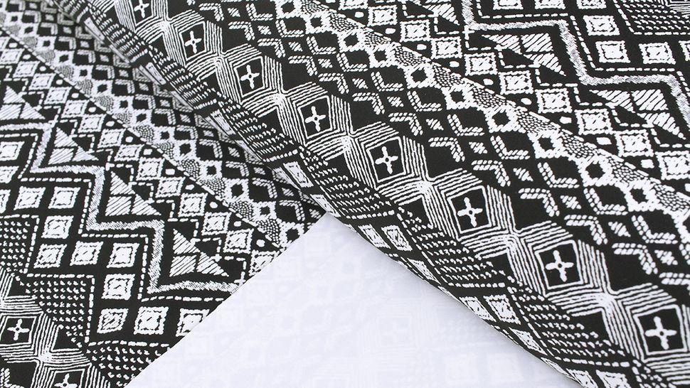 Bademodenstoff schwarz-weiß: Ethno-Muster - 155 cm im Makerist Materialshop - Bild 2