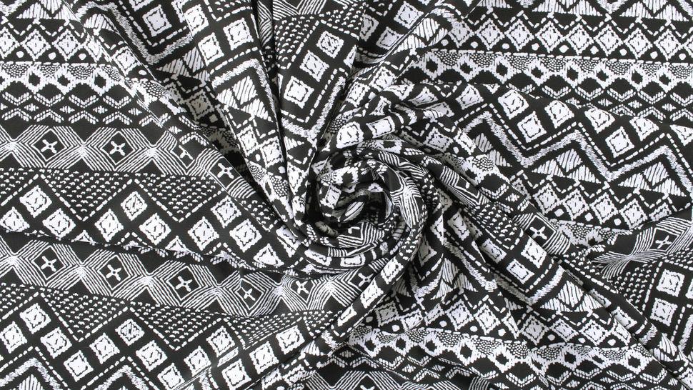 Bademodenstoff schwarz-weiß: Ethno-Muster - 155 cm im Makerist Materialshop - Bild 5