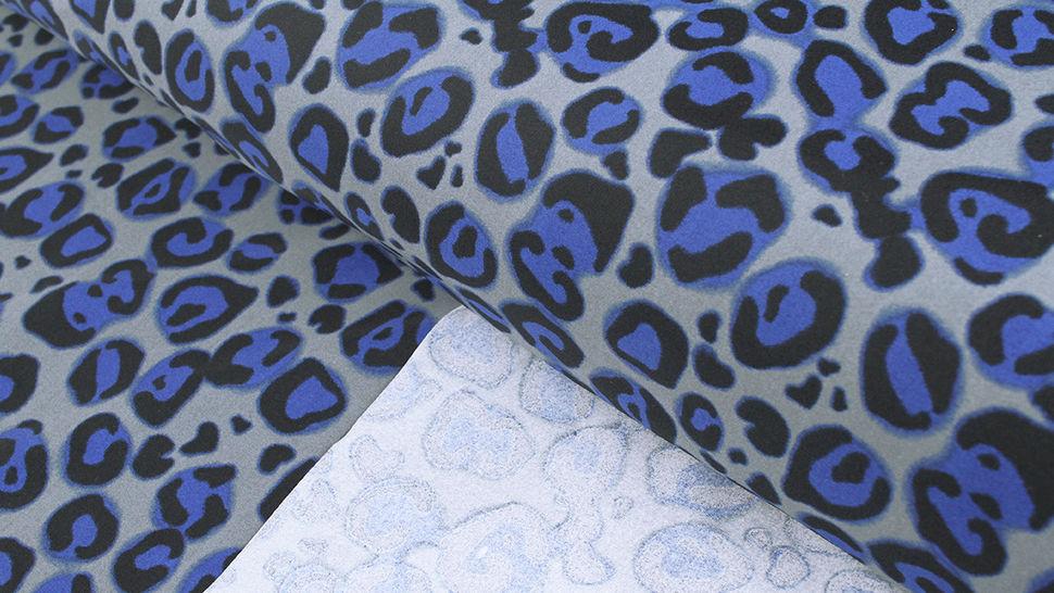 Bademodenstoff grau-blau: Blauer Leopard - 155 cm im Makerist Materialshop - Bild 2