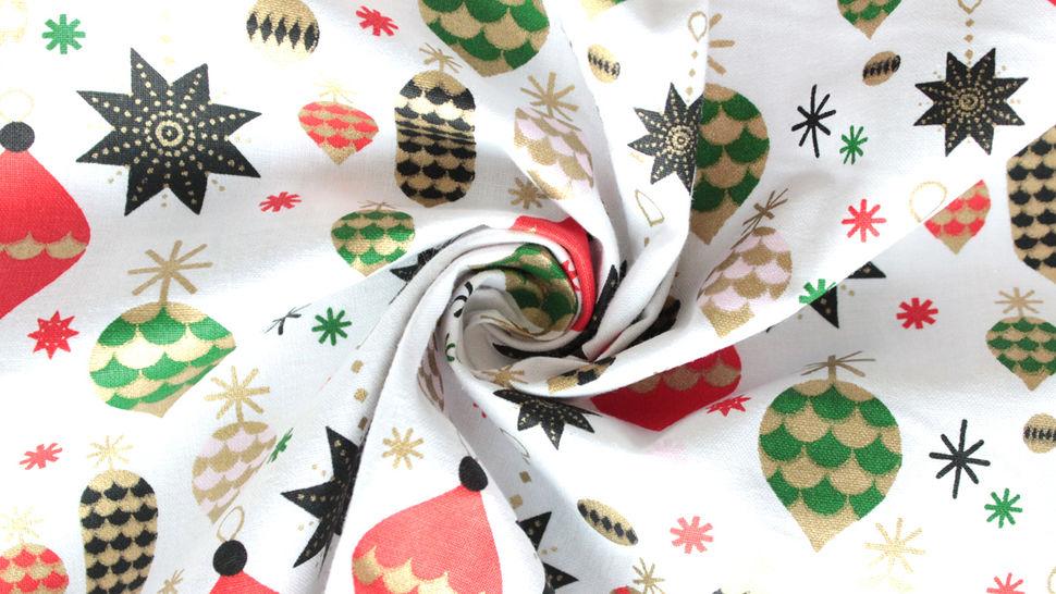 Weiß bedruckter Baumwollstoff: Baumschmuck - 140 cm im Makerist Materialshop - Bild 2