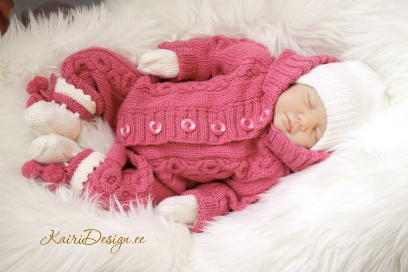 Baby jumpsuit knitting pattern