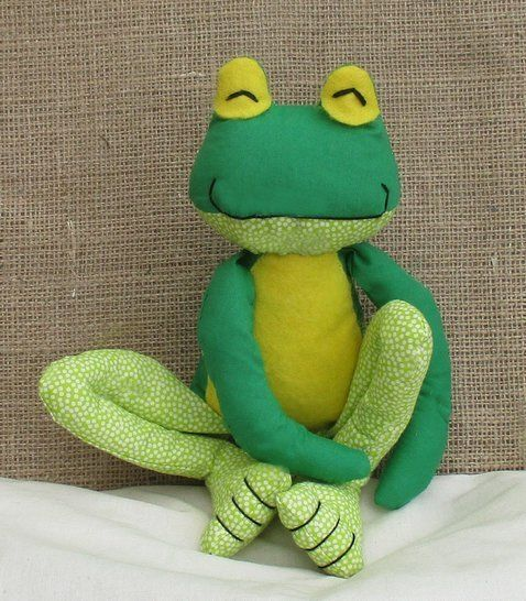 Fritz Frog soft toy sewing pattern