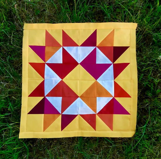 """Quilt Pattern """"Happy Ribbon Star"""" Throw-baby-Pillow Size"""
