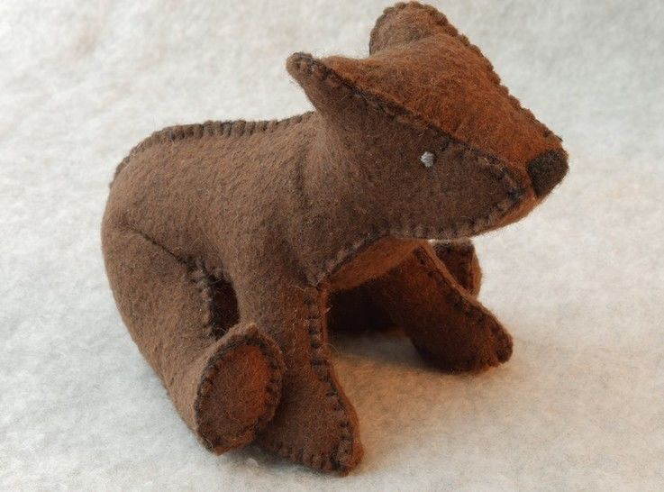 Teddy Bear Pattern and Illustrated Instructions for Felt Brown Bear Family