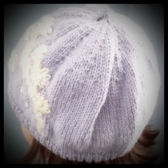 """ My Daisy Beret "" knitting pattern."
