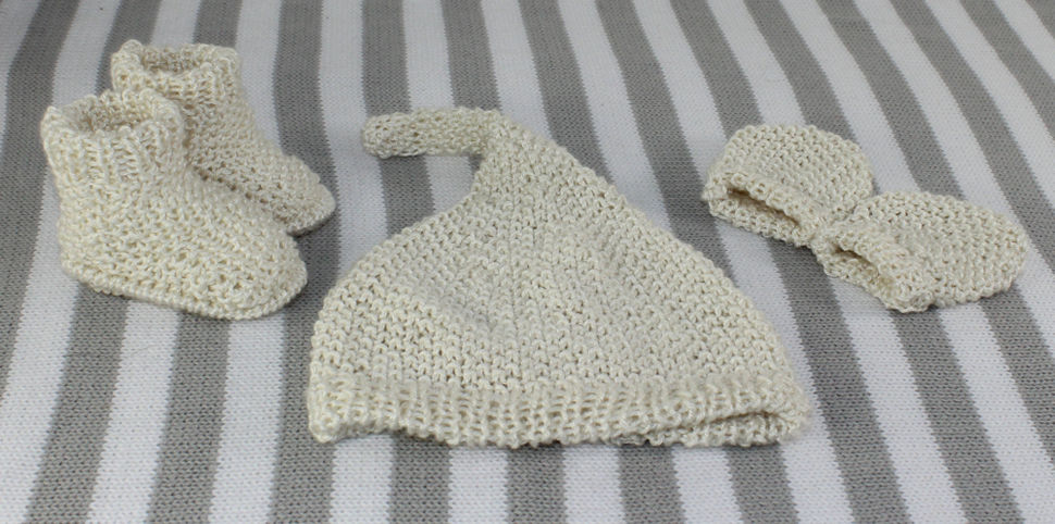New Baby Moss Stitch Pixie Hat, Booties & Mittens