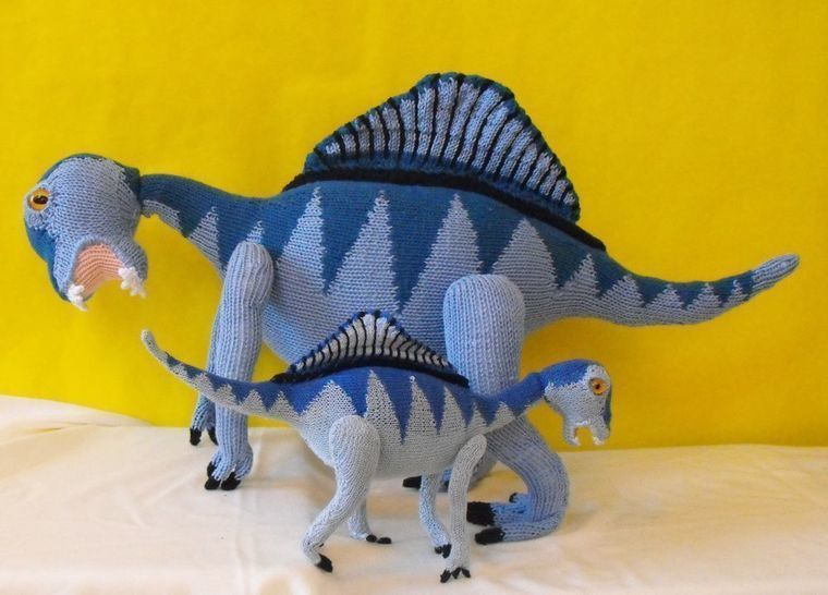 SPENCER SPINOSAURUS AND BABY DINOSAURS