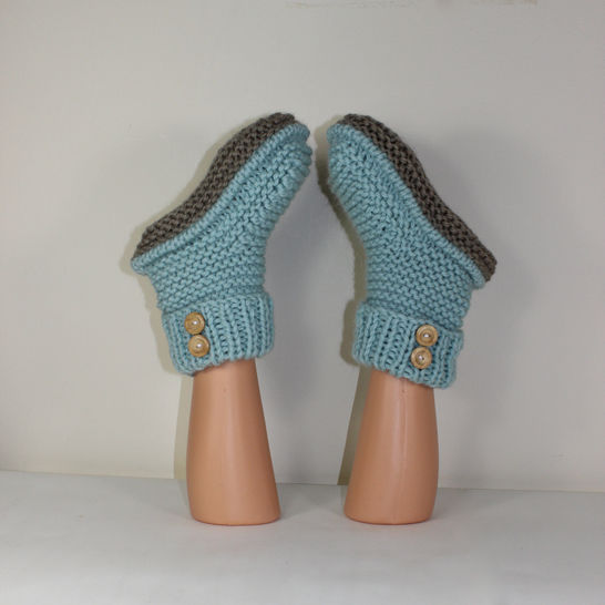 2 Button Super Chunky Slipper Boots knitting pattern