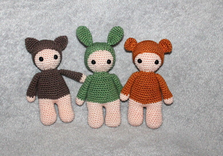Grab toy and doll 2 sizes, 3 different ways crochet pattern