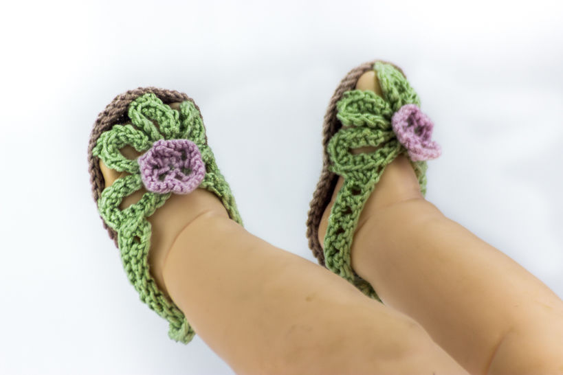 Baby Girl Flower Sandals - Knitting Pattern