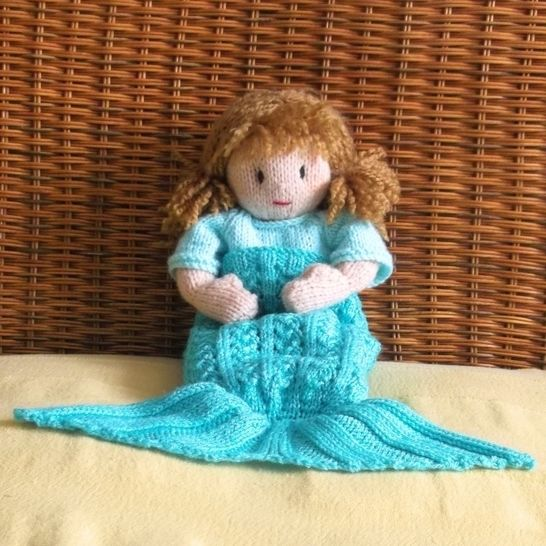 Splash! Dolls' Mermaid Blanket Knitting Pattern