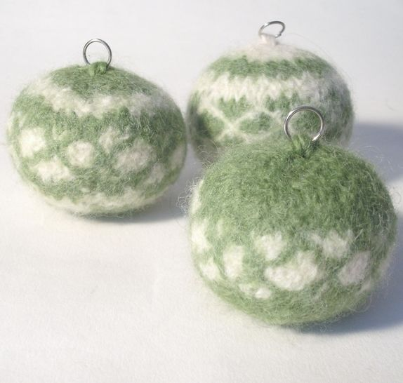 Nordic Style Christmas Baubles Knitting pattern