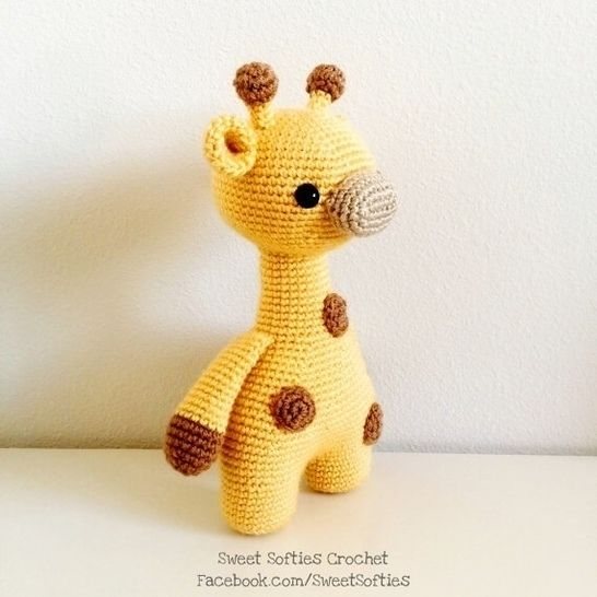 Ginger the Giraffe, Twee Toys Collectible Series, Amigurumi Crochet Pattern