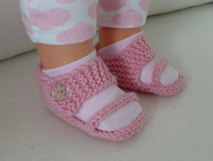 Baby sandals in 8ply with angled toe and ankle straps - Emma